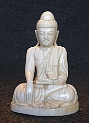 Fine ivory Buddha from Burma (4 in. tall) seated in earth witness posture or bhumisparsha mudra - late 19th C